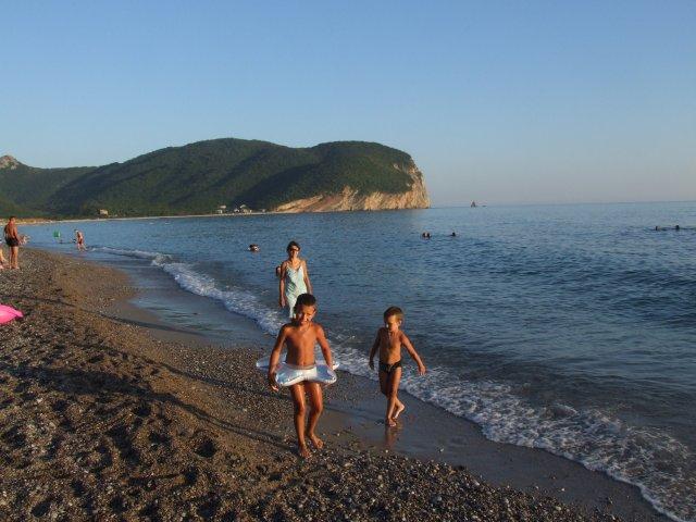 Мальчики на нудистском пляже фото